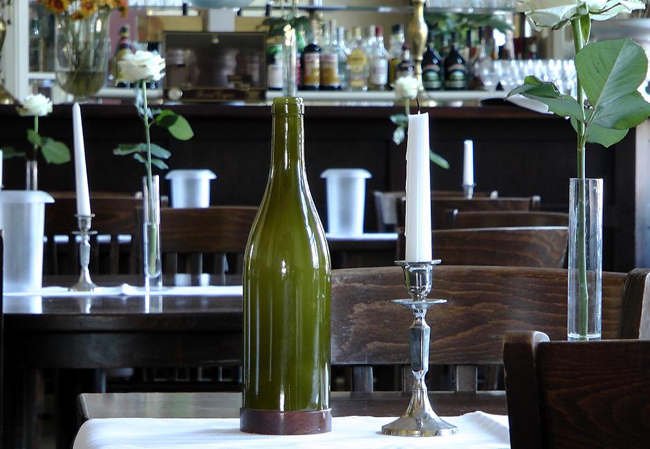illustris +, Tischleuchte Pinot Grigio