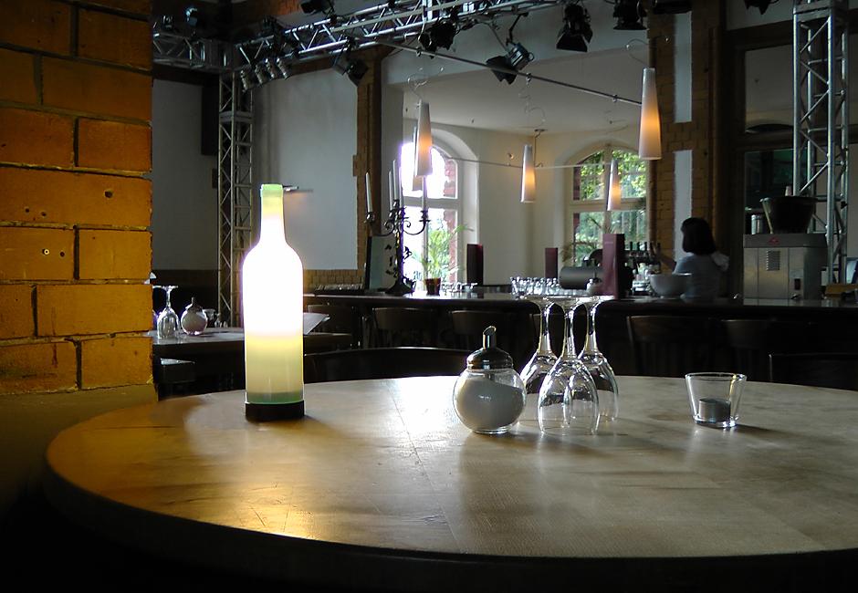 illustris +, Tischleuchte Weisswein